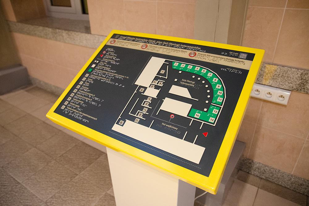 Terminal informacyjny umieszczony w holu głównym budynku Urzędu Miasta Jastrzębie-Zdrój
